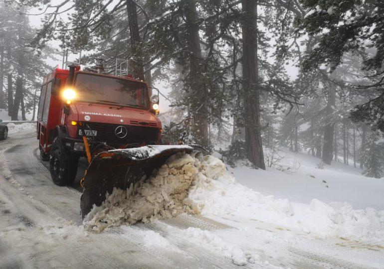 Κατάσταση οδικού δικτύου λόγω των καιρικών συνθηκών (10:54) και ύψος χιονιού - Εικόνες