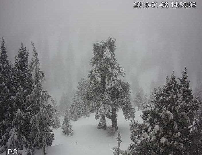 Αισθητή πτώση θερμοκρασίας τις επόμενες ώρες, με χιόνια σε χαμηλότερα υψόμετρα