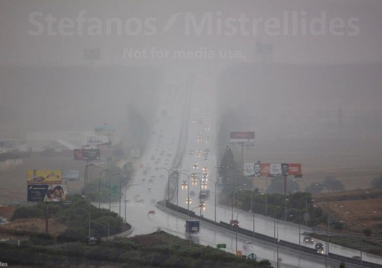 Έκτακτο δελτίο - Έντονες βροχές στον αυτοκινητόδρομο (εικόνες/βίντεο)