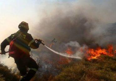 Πυρκαγιά σε εξέλιξη στον Άγιο Ιωάννη Βρέτσιών