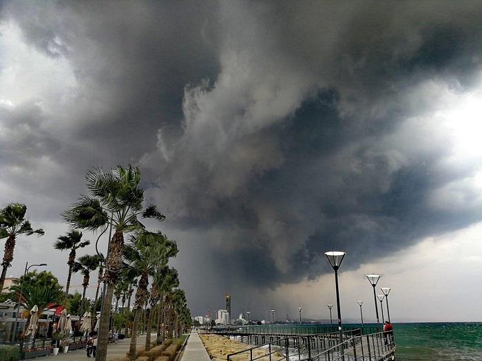 Ξεπέρασε το 400% η βροχόπτωση στη Λεμεσό - Συνεχίζουν οι εισροές στα φράγματα