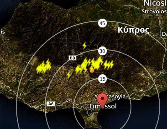 Έκτακτη καιρική ενημέρωση - Καταιγίδες σε εξέλιξη