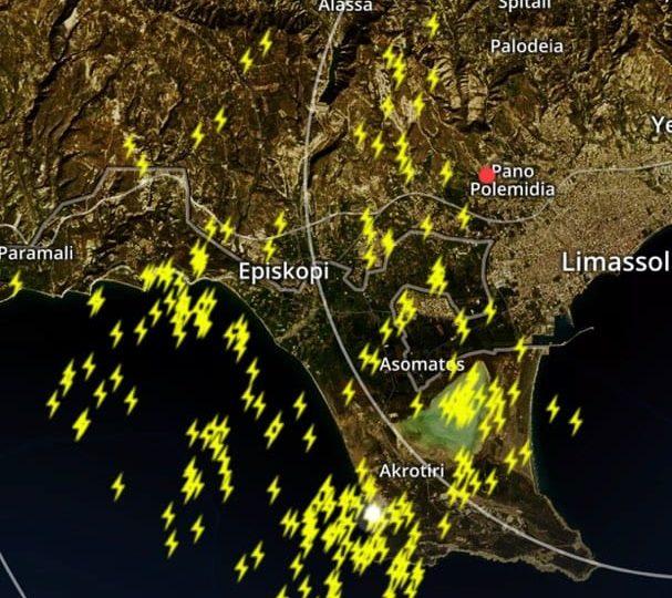 Έκτακτη καιρική αναφορά 2: Πολύ ισχυρή καταιγίδα στον κόλπο Επισκοπής