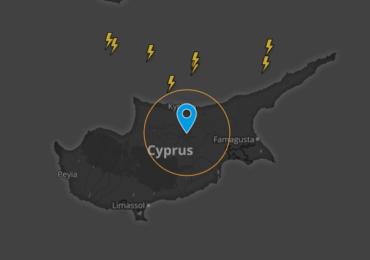 Καιρική ενημέρωση (21:15) - Καταιγίδες με χαλάζι άρχισαν να επηρεάζουν το νησί από τα βόρεια