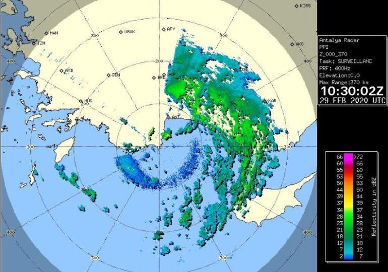 Καιρική ενημέρωση ώρα 12:50 - Βροχές, καταιγίδες, χαλάζι, χιόνια και ενισχυμένοι άνεμοι τις επόμενες ώρες