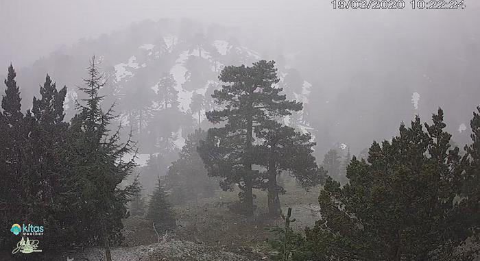 Πυκνές χιονοπτώσεις στα ορεινά και τοπικές καταιγίδες με χαλάζι σήμερα και αύριο