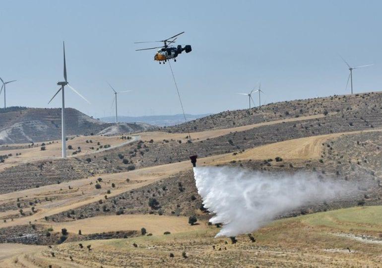 Νέα πυρκαγιά σε πολύ δύσβατη περιοχή στην επαρχία Πάφου - Επιχειρούν εναέρια μέσα