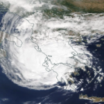 Συνεχίζει η επέλαση του μεσογειακού κυκλώνα Ιανού – Εικόνες/Βίντεο από τις μέχρι στιγμής καταστροφές