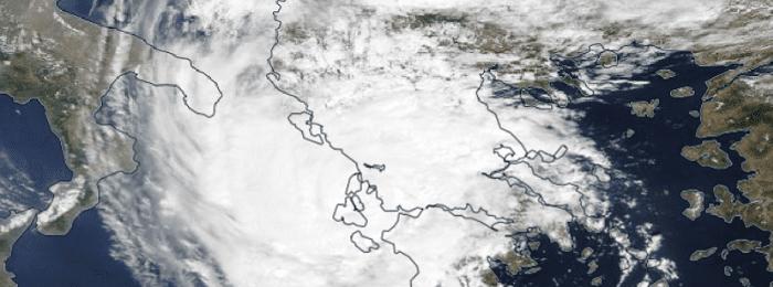Συνεχίζει η επέλαση του μεσογειακού κυκλώνα Ιανού - Εικόνες/Βίντεο από τις μέχρι στιγμής καταστροφές